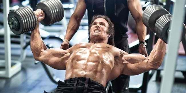Top 10 Killer Workouts Guaranteed To Increase Your Chest Mass